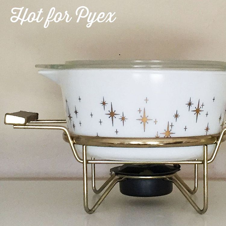 100 of 100 - We made it!  It only seemed right to share one of my absolute favorite pieces of Pyrex for day 100.  This dish came to me via a lovely lady in Canada.  This is one of my all time favorite patterns that screams mid century awesomeness!  #hotforpyrex #100hfp #pyrexpassion #pyrexia #pyrex #love #htfpyrex #pyrexlove #pyrex100 #pyrexporn