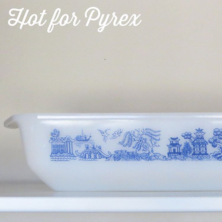 When you do something everyday for 100 days it is hard to stop.  Plus, I just enjoy sharing Pyrex pics.  I am a big fan of the JAJ Willow pattern, so when this Agee piece came up for sale on the other side of world, I had to grab it.  While the JAJ and Agee patterns aren't identical, the Agee pattern clearly got some inspiration from its English counterpart. #htfpyrex #hotforpyrex #100hfp #pyrex100 #ageepyrex #rarepyrex #pyrexlove #pyrex #pyrexpassion #love #willow #mysterypyrex