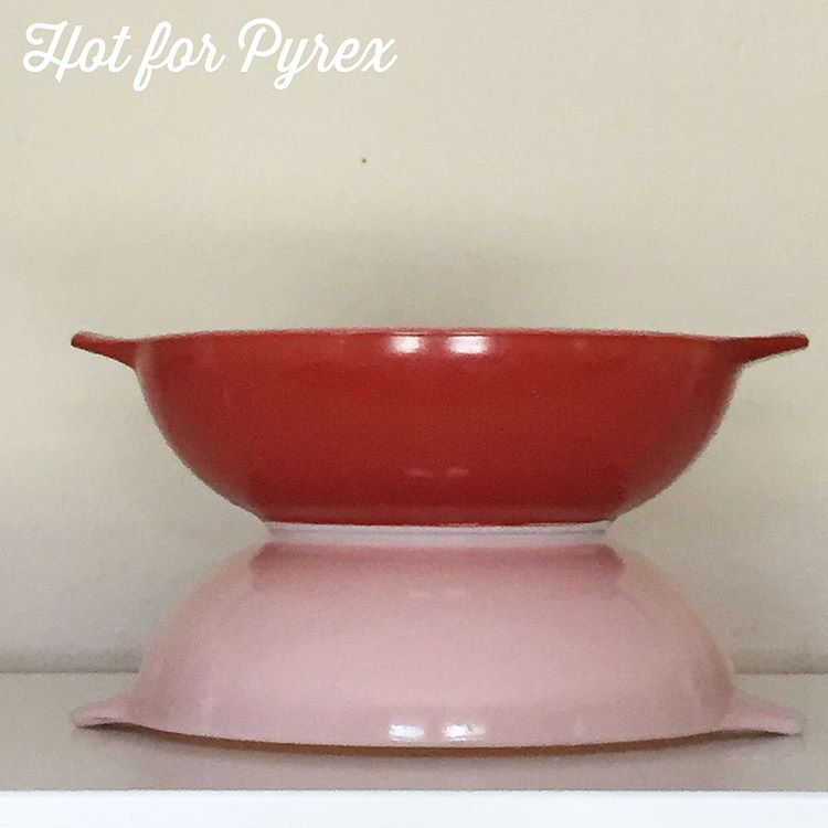 Day 82 of 100 - There is no end to the variety of colors and patterns of Pyrex.  Family flair dishes come in yellow, turquoise, and pink as standard offerings.  This red dish is family flair, but stands out from the typical offerings.  #pyrexproblems #pyrexpassion #pyrex100 #100hfp #hotforpyrex #pyrexlove #pyrexia #love