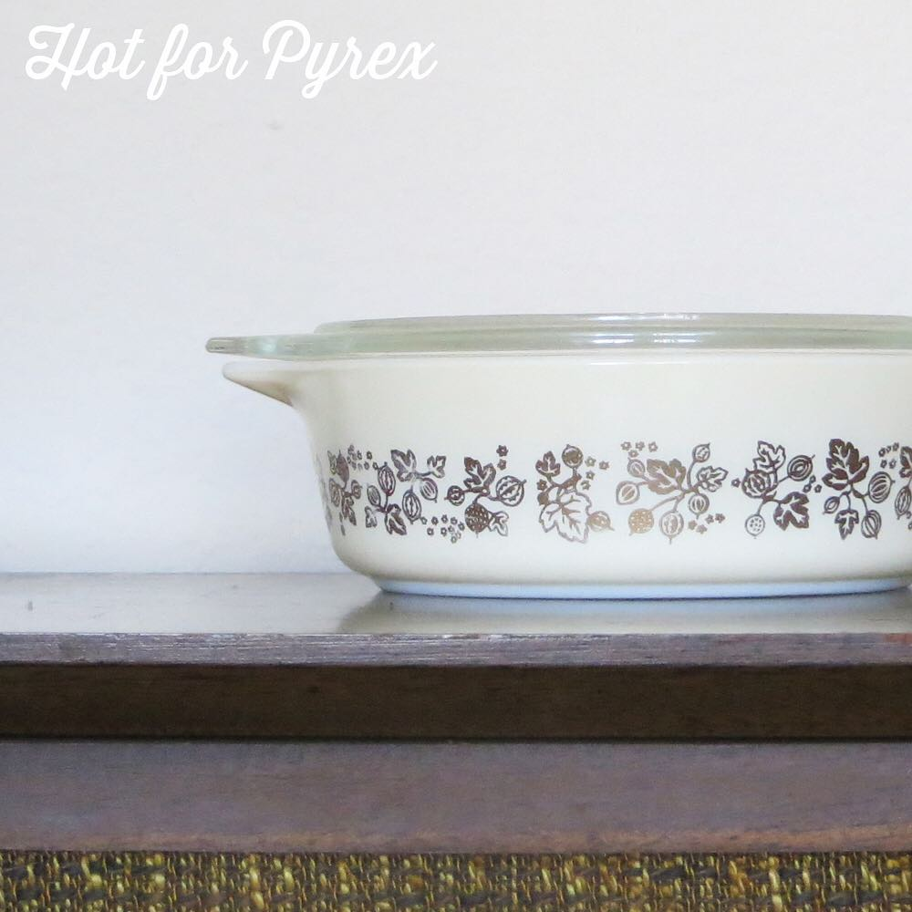 Day 37 of 100 - The Golden Gooseberry strikes again!  I have yet to see an entire set of these in the 470 size, but I believe it exists.  #100hfp #hotforpyrex #pyrexaddict #vintagepyrex #rarepyrex #pyrexlove #pyrexpassion #love #vintageglass