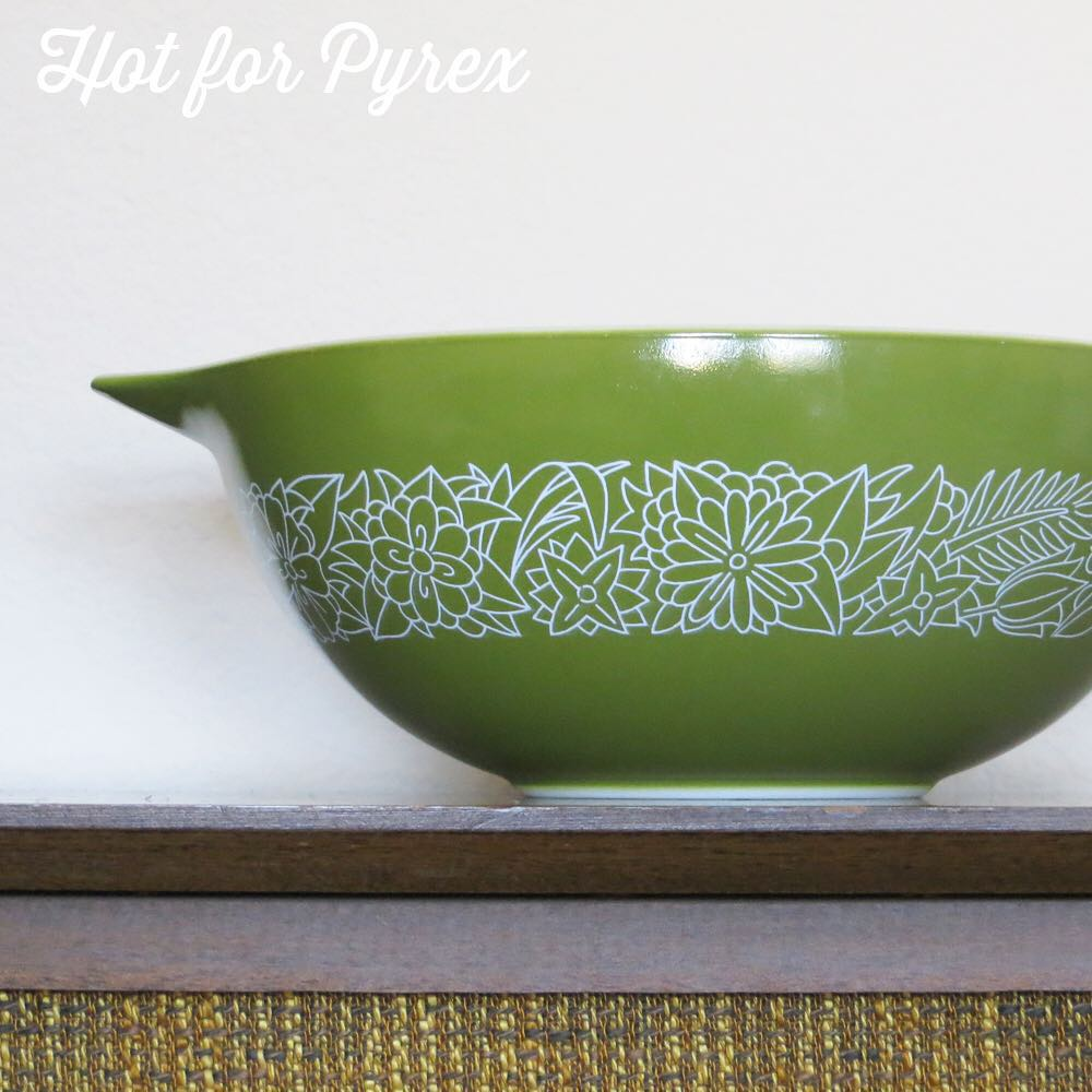 Day 35 of 100 - the woodland pattern is typically found on tan and dark brown dishes, but in this version a deep green color is the background, giving the pattern an unexpected new identity. #100hfp #hotforpyrex #pyrexaddict #vintagepyrex #rarepyrex #pyrexlove #pyrexpassion #love #vintageglass