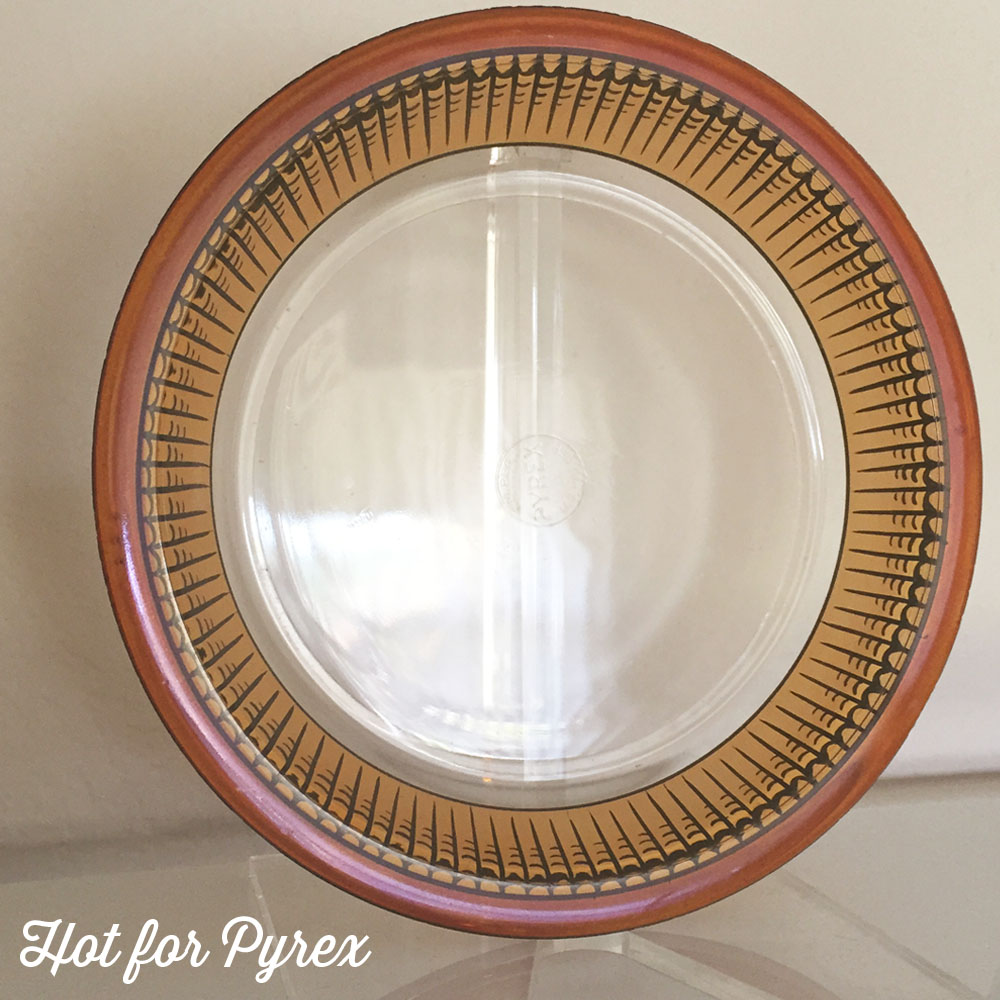 9 Inch Pie Plate with Decoration