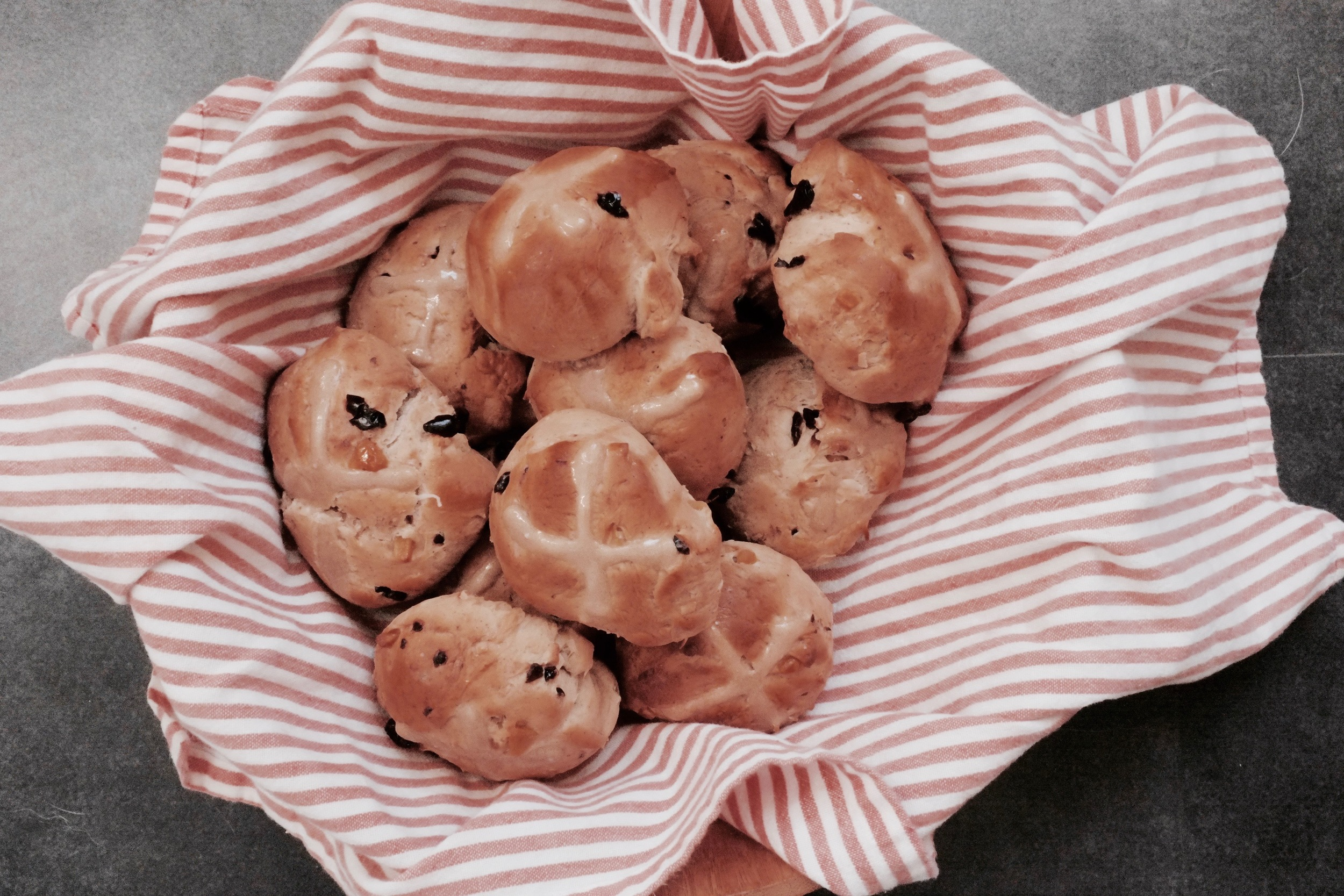 Tropical Fruit-Filled Hot Cross Buns - Hill Reeves