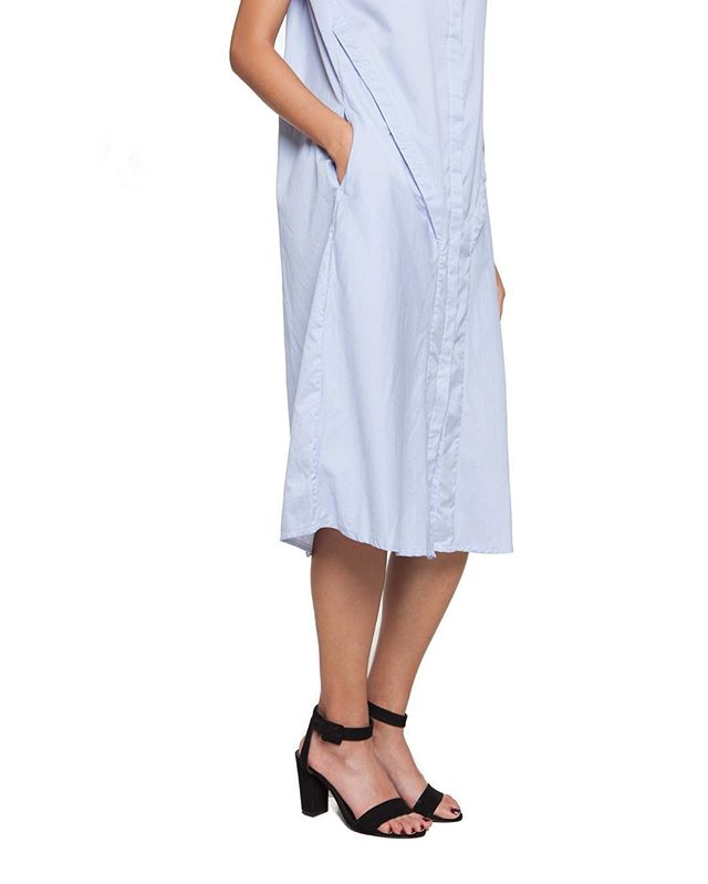 Our midi, not too long and not too short for summer 💙 Shop in profile!