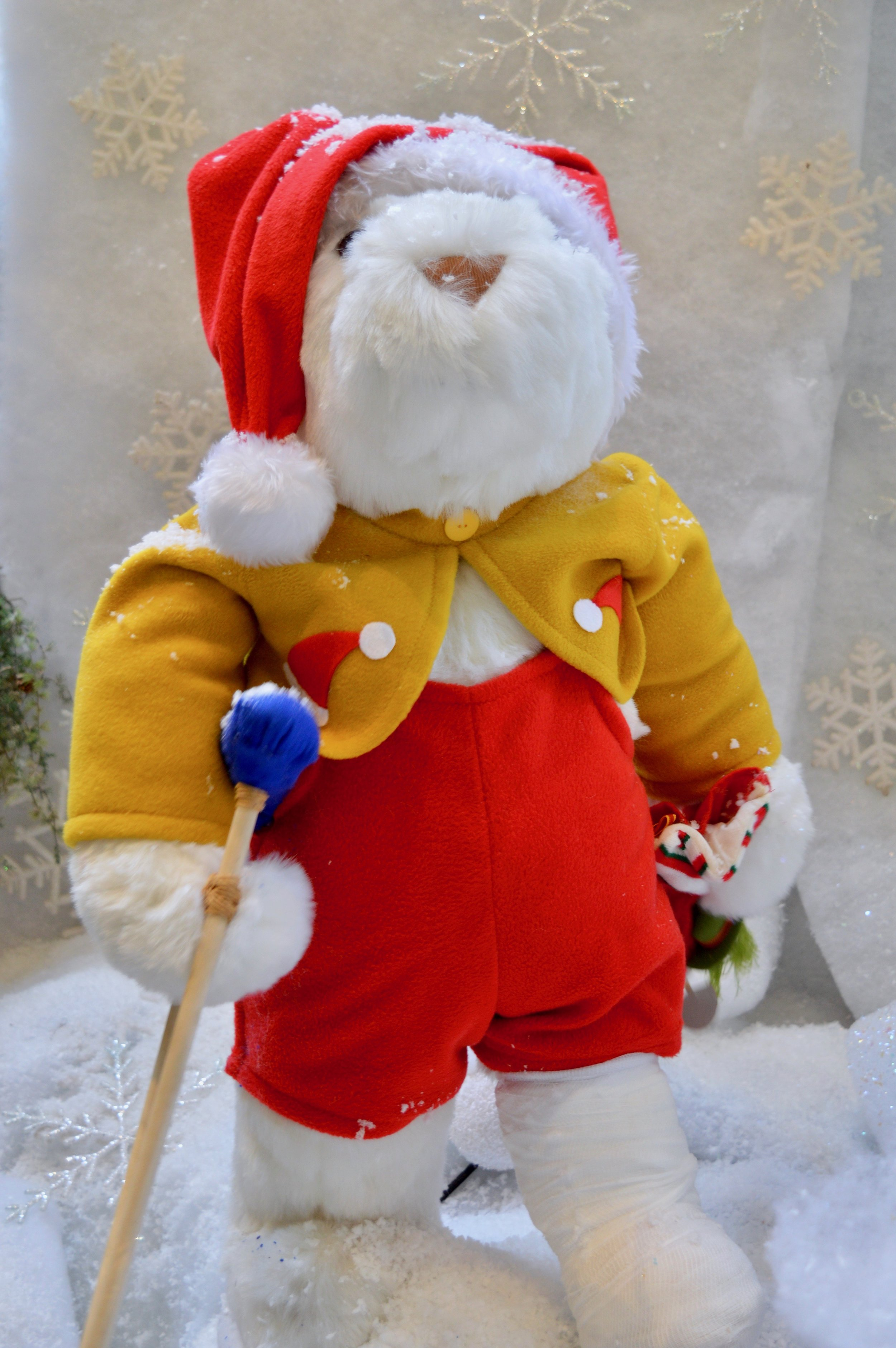 hire - Or if you wish, we have animation bears, Penguins, reindeer to hire for you to create your own Christmas displays.