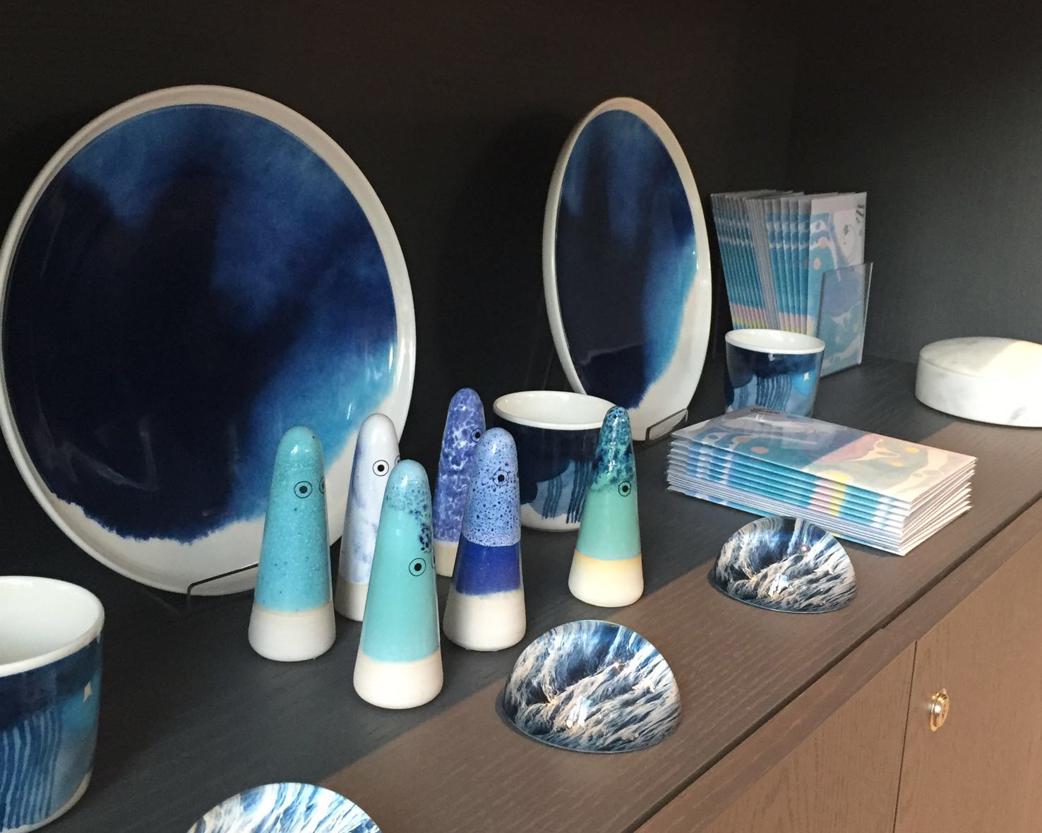 And finally this is the blue corner. We loved the combination of the different textures and patterns on these objects – the inky plates, the paint splattered ceramics and the marbled greetings cards (by us!)