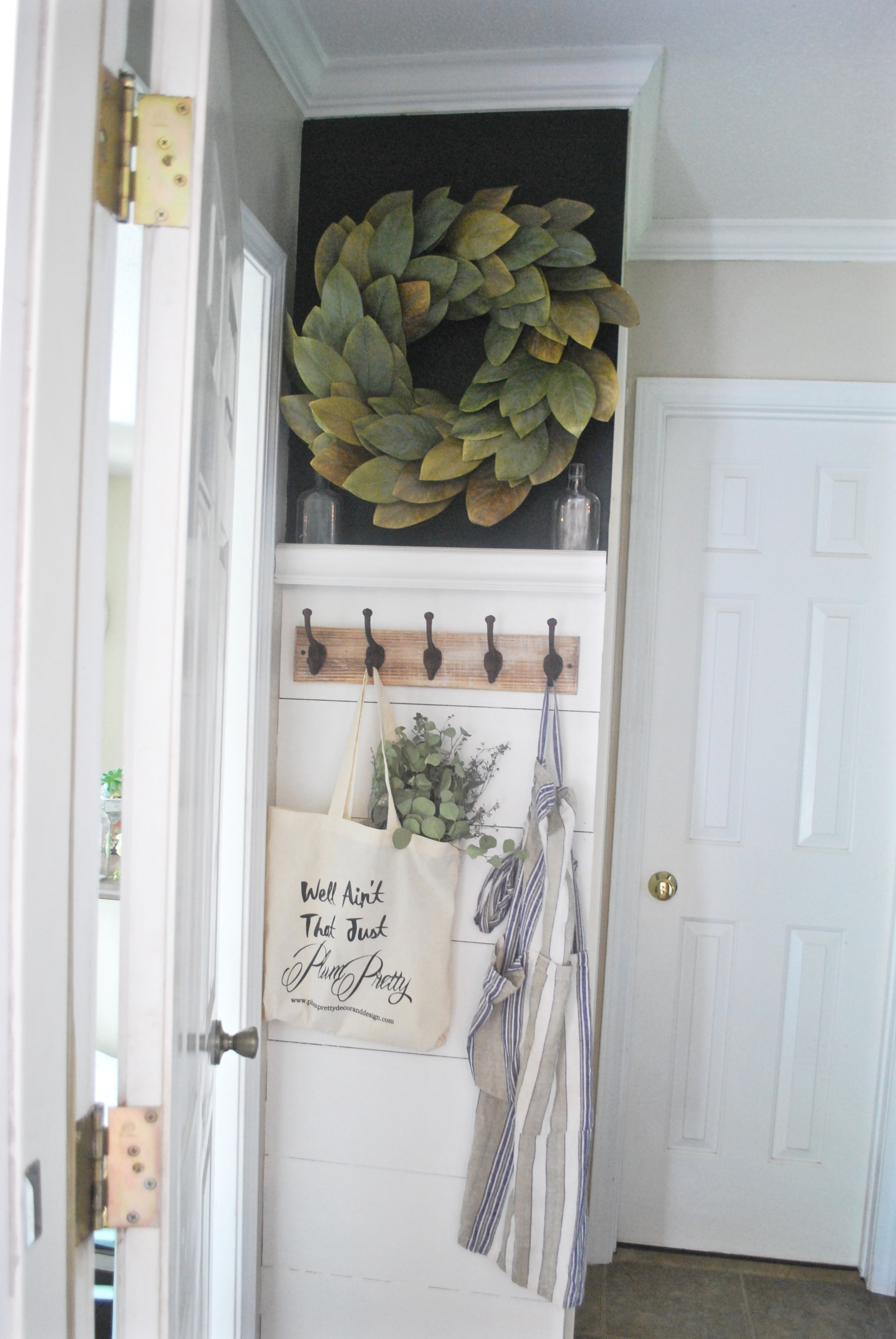 Dit Faux Shiplap Entry Way Project