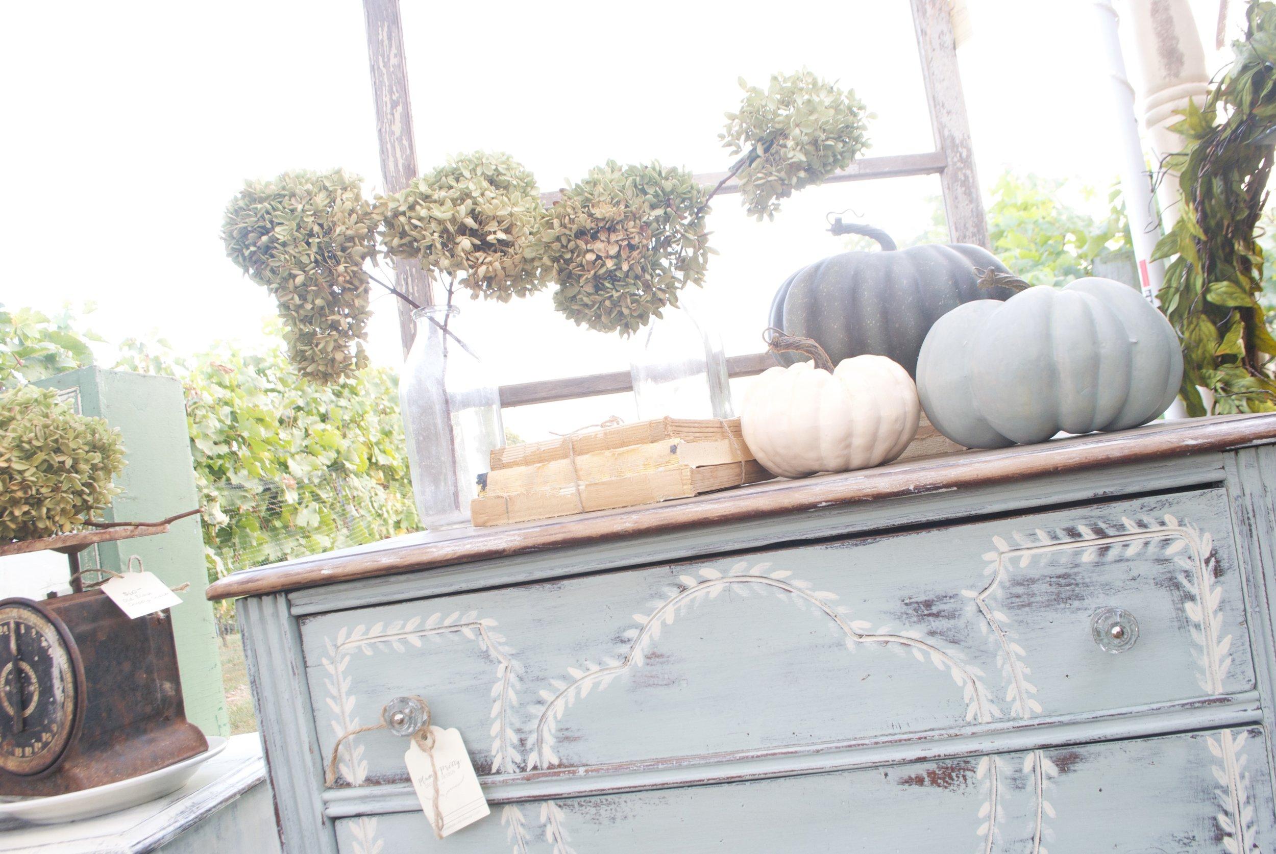 Plum Pretty Decor and Design- The Gray Door Market- Fall Booth Design