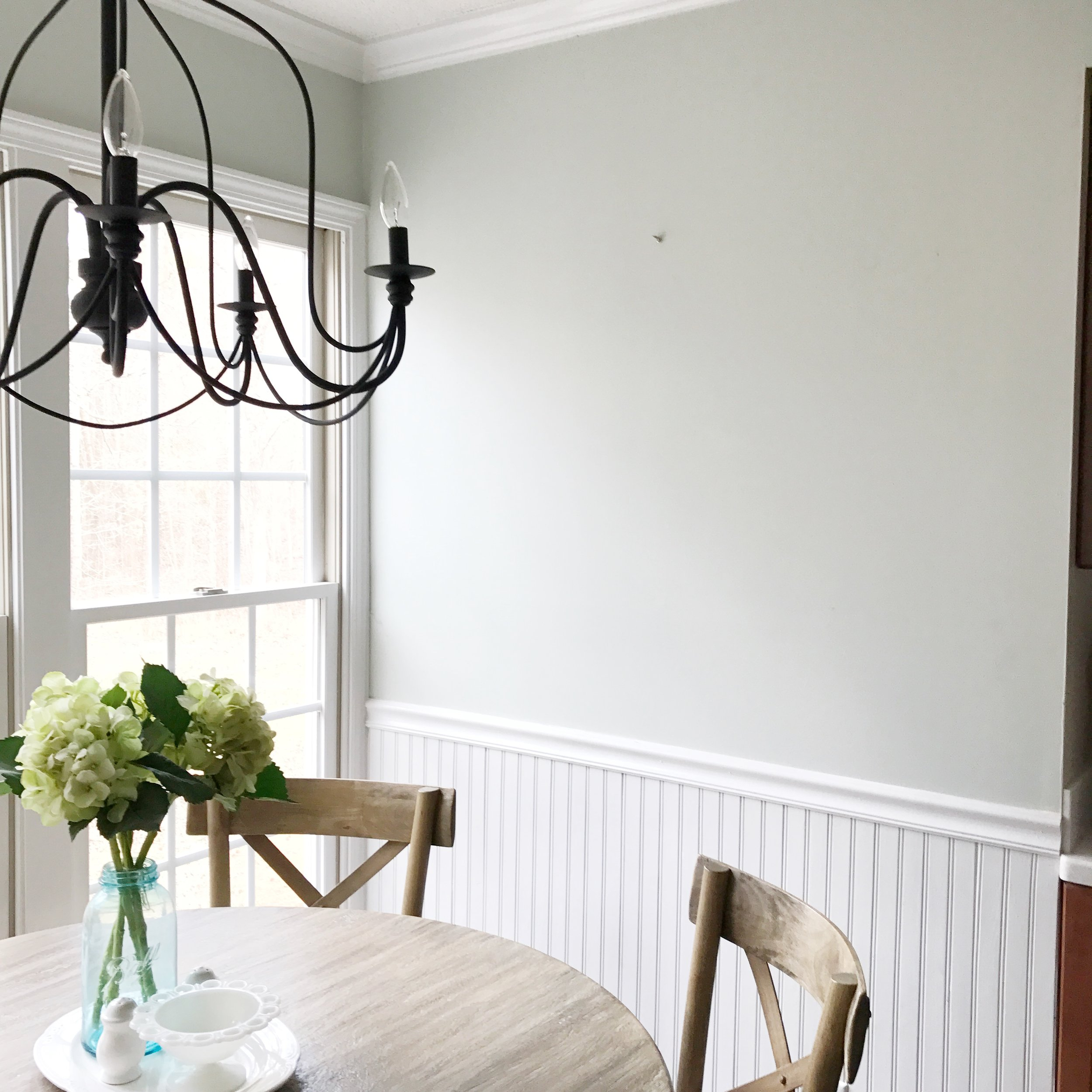Breakfast Nook Blank Wall- See this Farmhouse Transformation