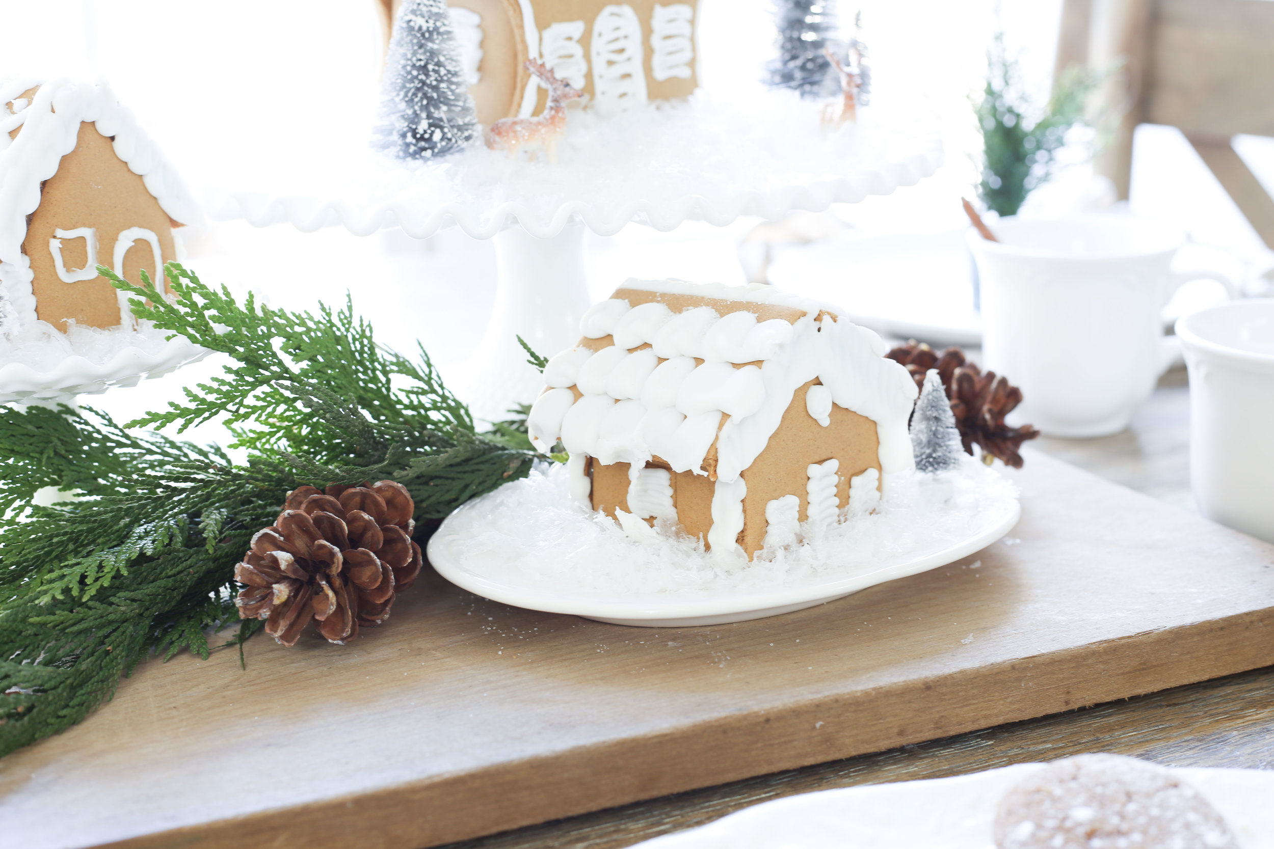 Christmas 2017 Home Tour: Deck The Blogs- Decorating With Gingerbread Houses- Plum Pretty Decor & Design's Christmas Home Tour
