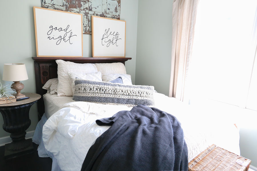 Modern_Farmhouse_Textured_Pillows_Bedroom_Decor.jpg