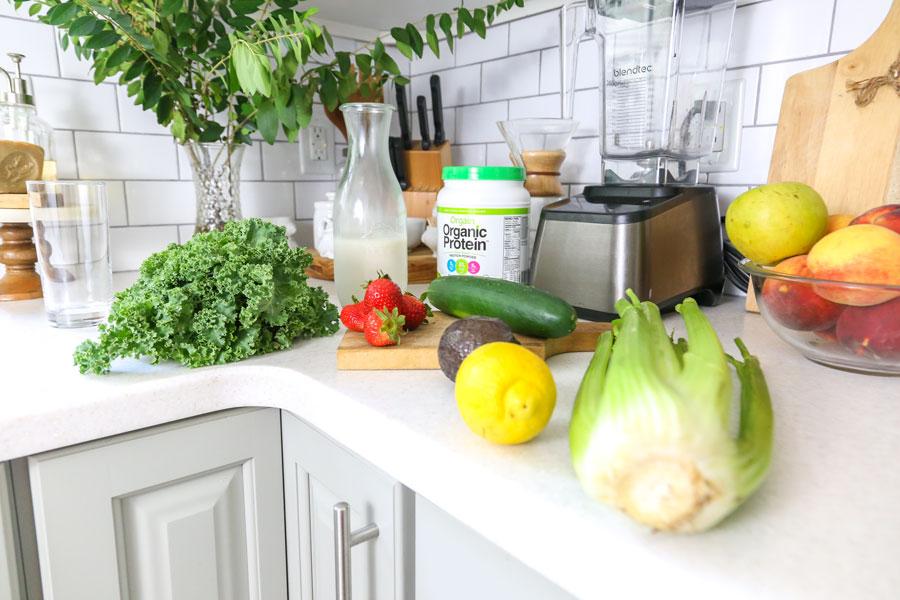 Healthy_Green_Strawberry_Veggie_Smoothie_Keto_Web.jpg