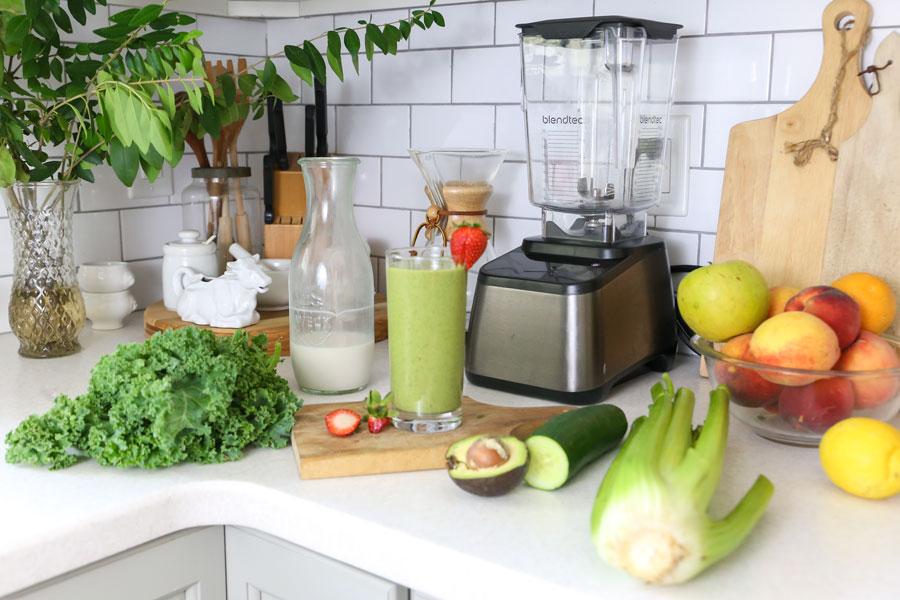 Healthy_Green_Strawberry_Veggie_Kale_Celery_Smoothie_Keto_Web.jpg
