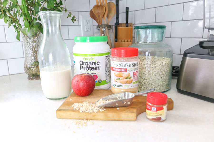 Peanut Butter Apple Oatmeal Green Smoothie Recipe- The perfect fall smoothie by Plum Pretty Decor & Design
