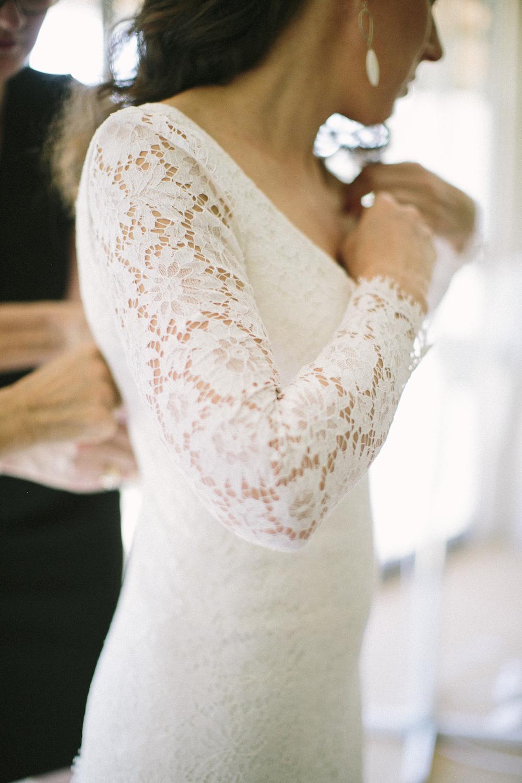 saya-photography-rustic-french-wedding-provence-domaines-de-patras-get-ready.jpg