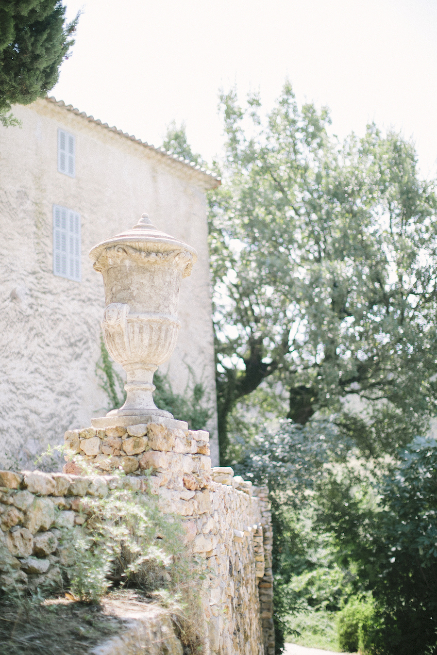 saya-photography-wedding-photographer-venue-provence-chateau-de-robernier-.jpg
