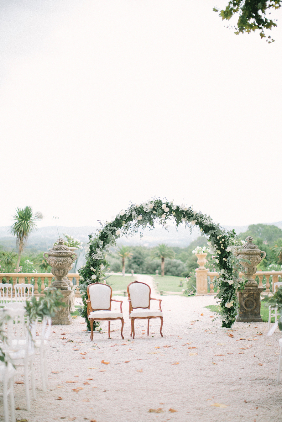 saya-photography-wedding-photographer-provence-chateau-de-robernier-36.jpg