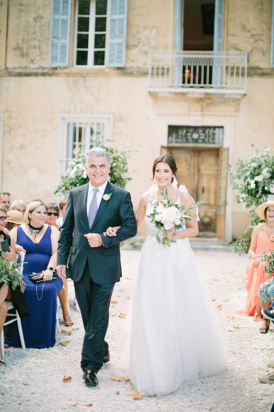 saya-photography-wedding-photographer-provence-chateau-de-robernier-55.jpg