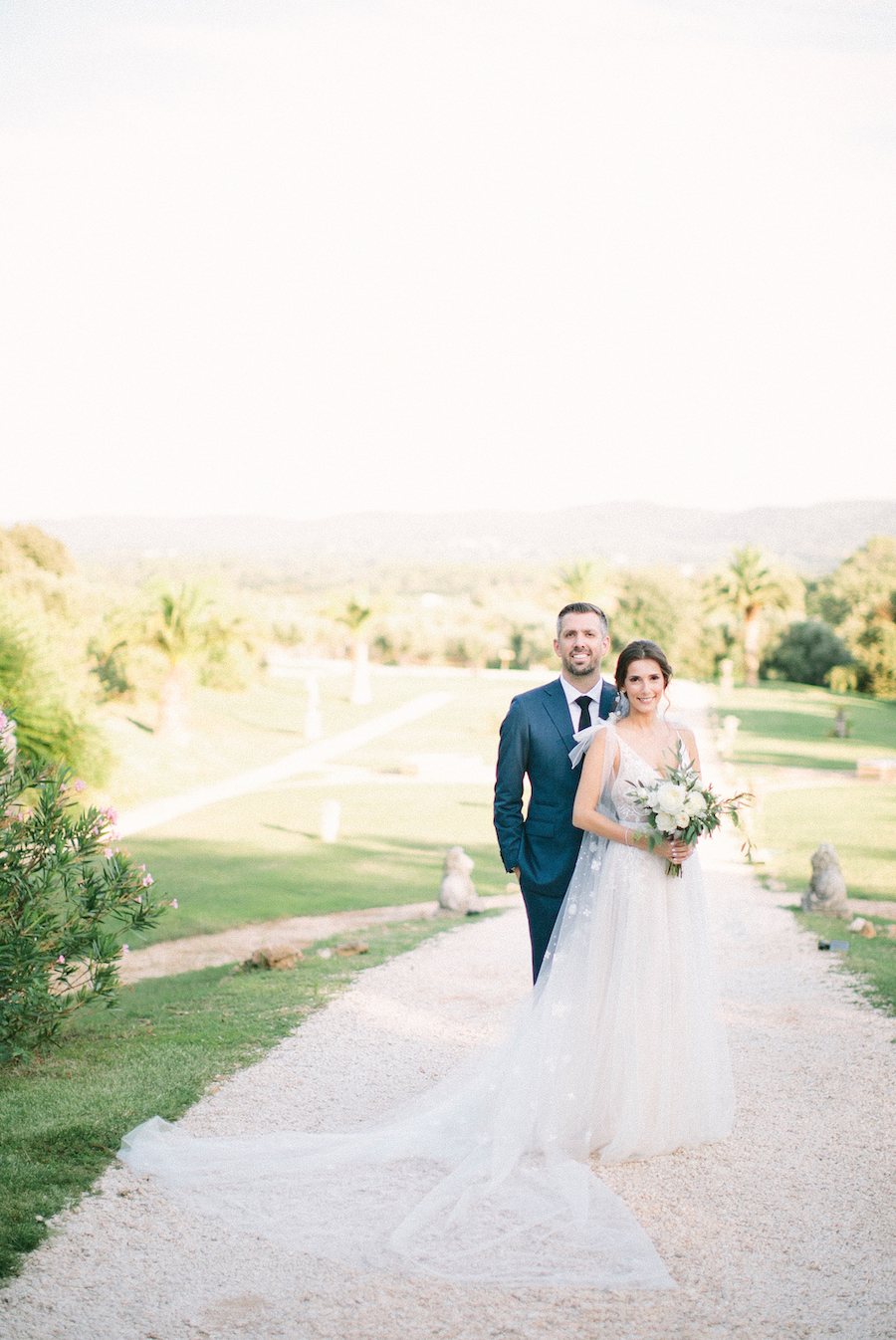 saya-photography-wedding-photographer-provence-chateau-de-robernier-114.jpg