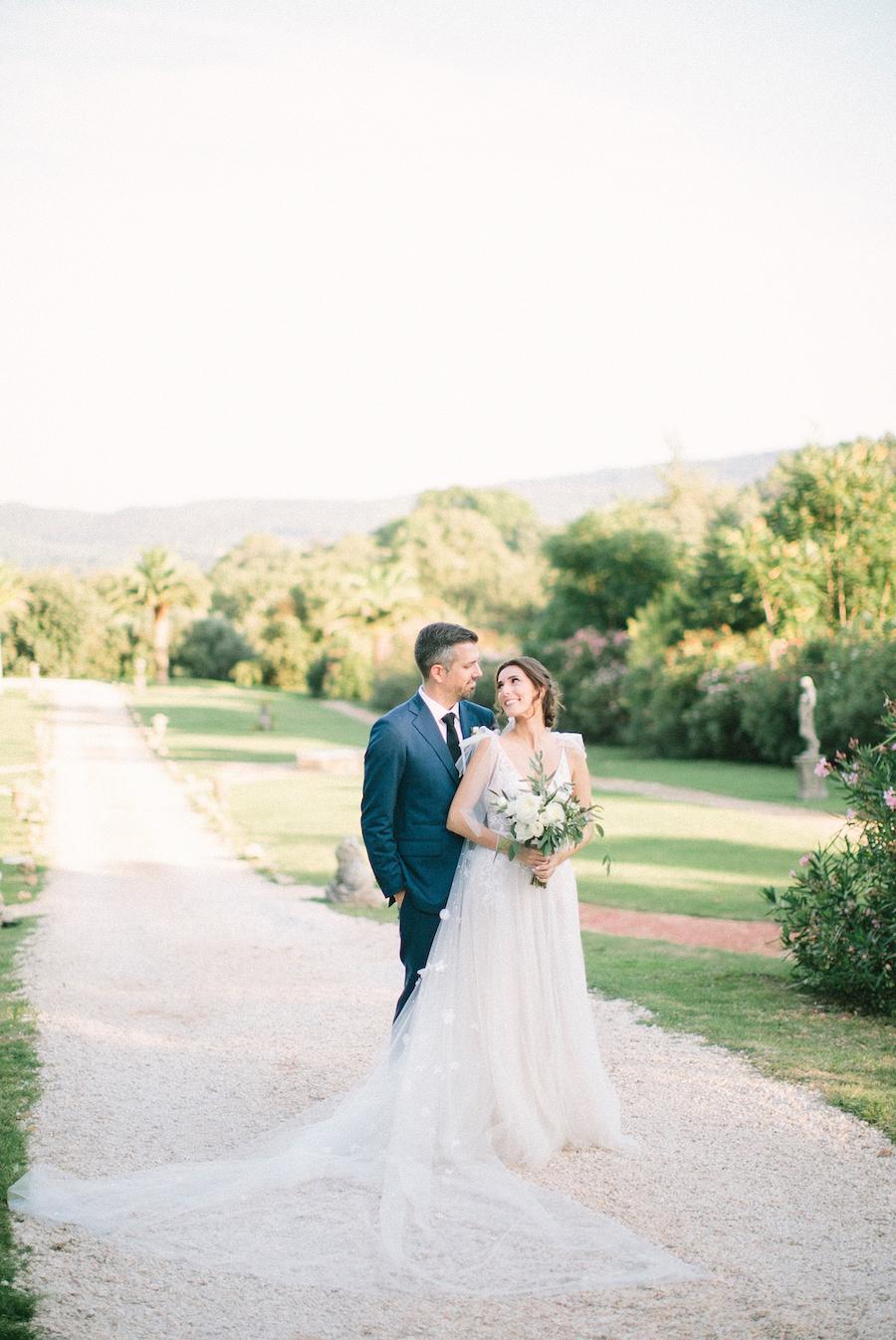 saya-photography-wedding-photographer-provence-chateau-de-robernier-116.jpg