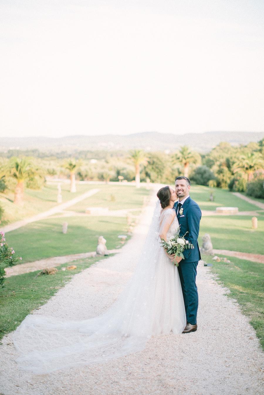 saya-photography-wedding-photographer-provence-chateau-de-robernier-117.jpg