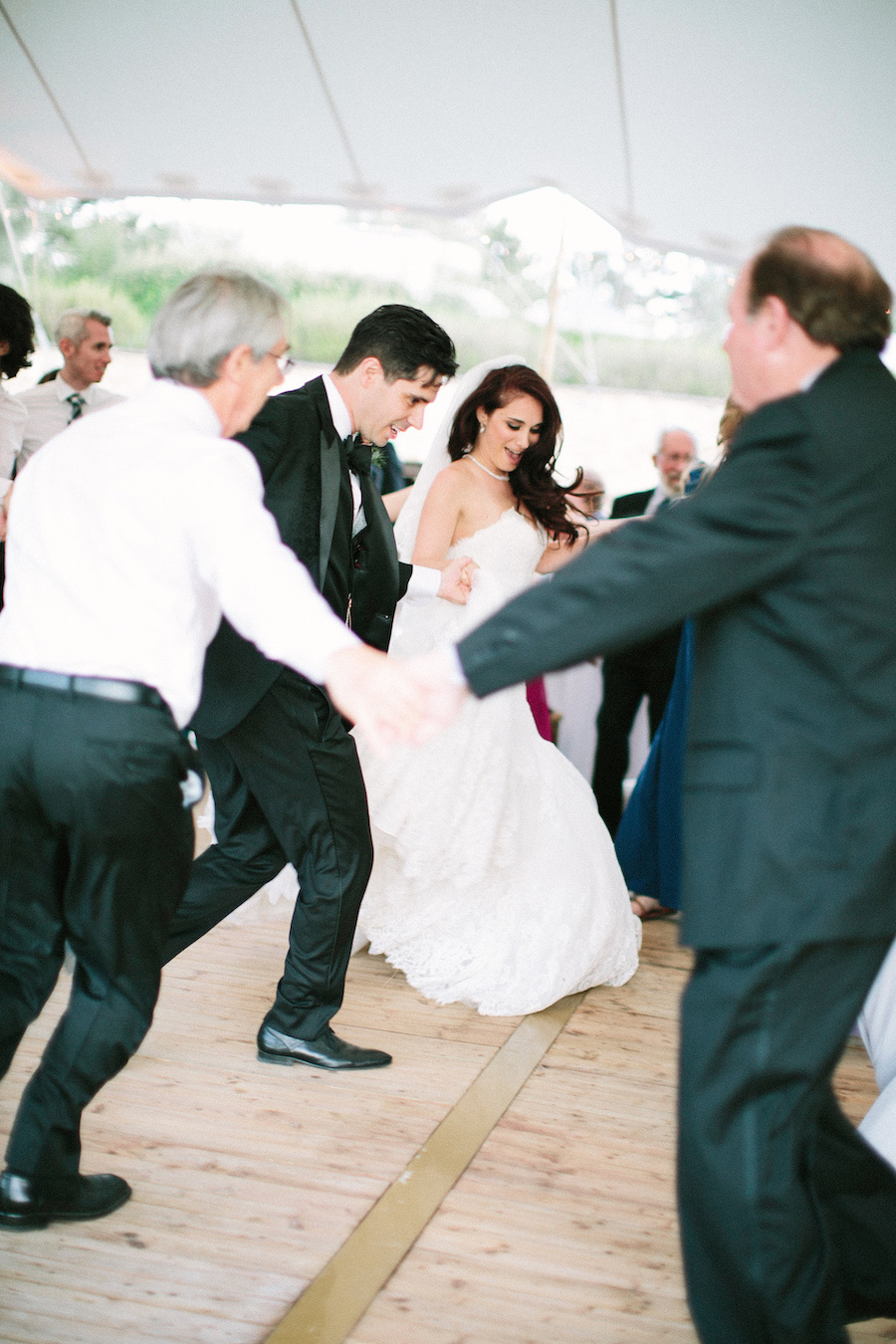 saya-photography-jewish-wedding-provence-rustic-lourmarin-le-galinier-46.jpg
