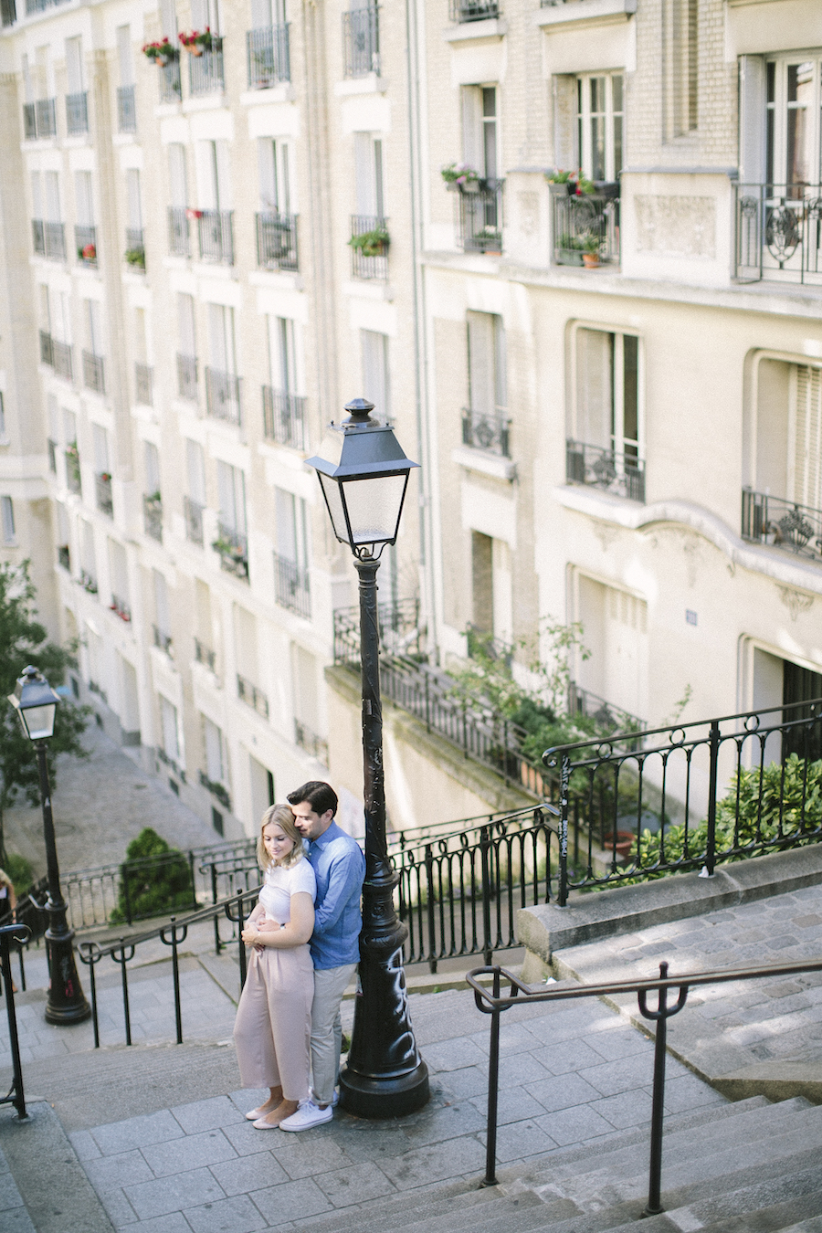 saya-photography-pre-wedding-couple-engagement-paris-montmartre-20.jpg