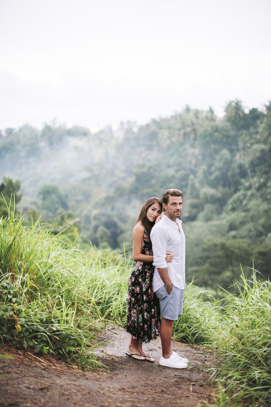 saya-photography-pre-wedding-bali-rice-field-12.jpg