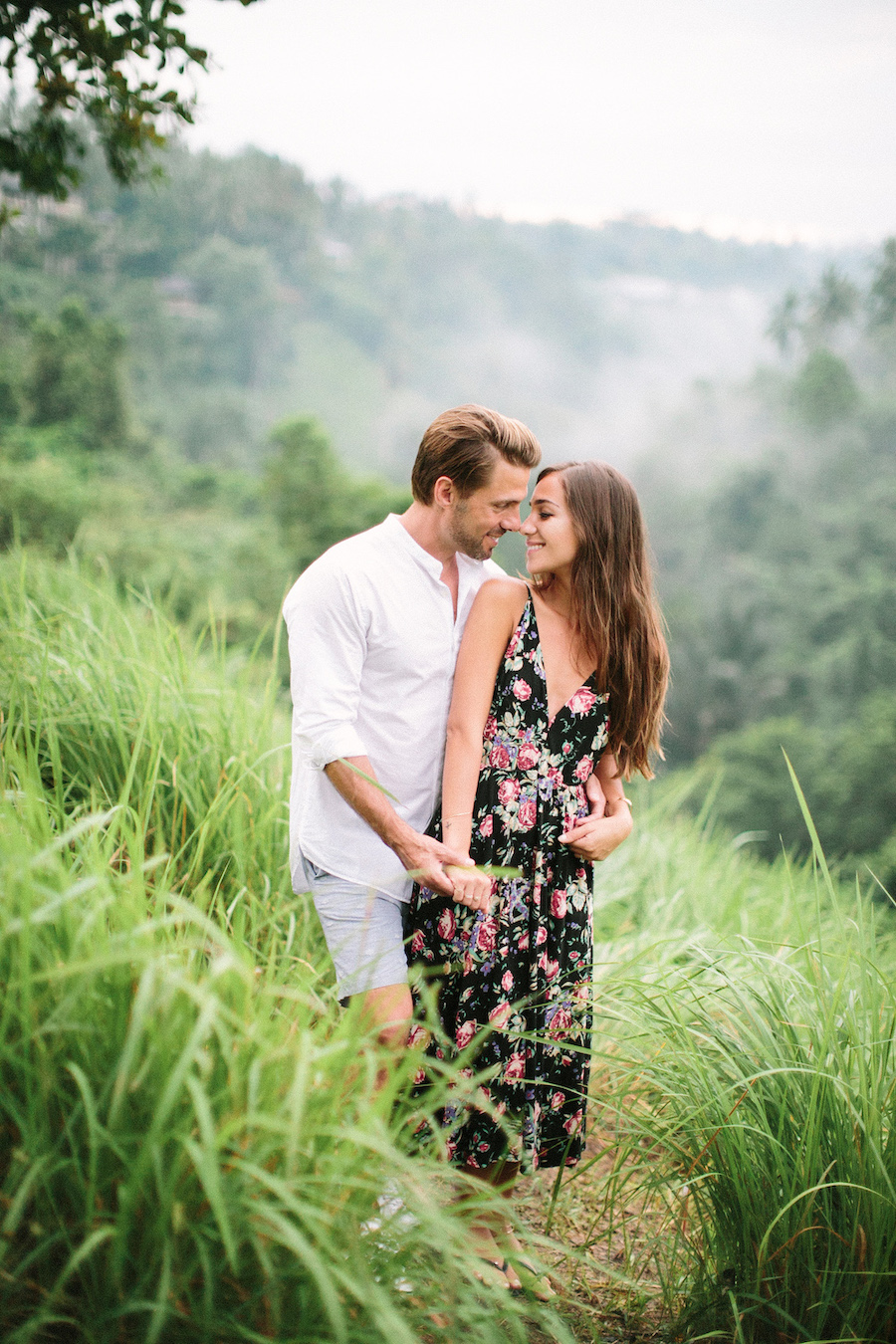 saya-photography-pre-wedding-bali-rice-field-49.jpg