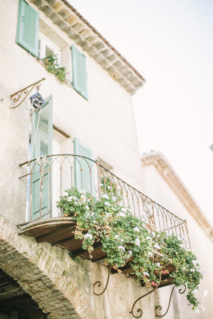 saya-photography-wedding-french-riviera-rustic-antibes-la-bastide-du-roy-63.jpg