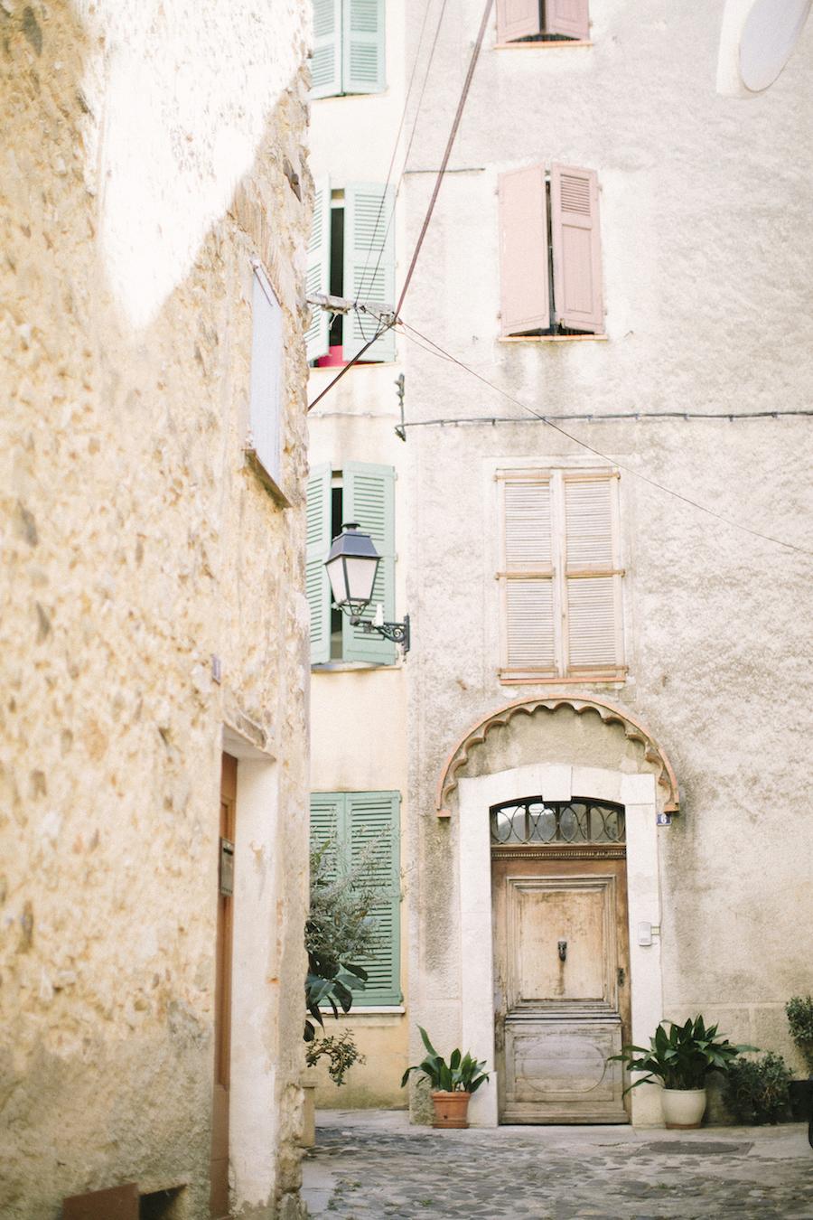 saya-photography-wedding-french-riviera-rustic-antibes-la-bastide-du-roy-61.jpg