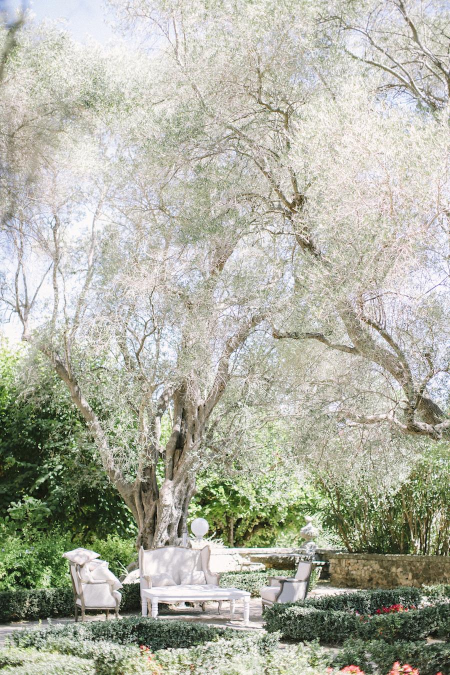 saya-photography-wedding-french-riviera-rustic-antibes-la-bastide-du-roy-24.jpg