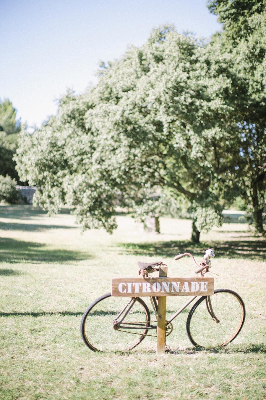 saya-photography-rustic-french-wedding-provence-domaines-de-patras-2.jpg