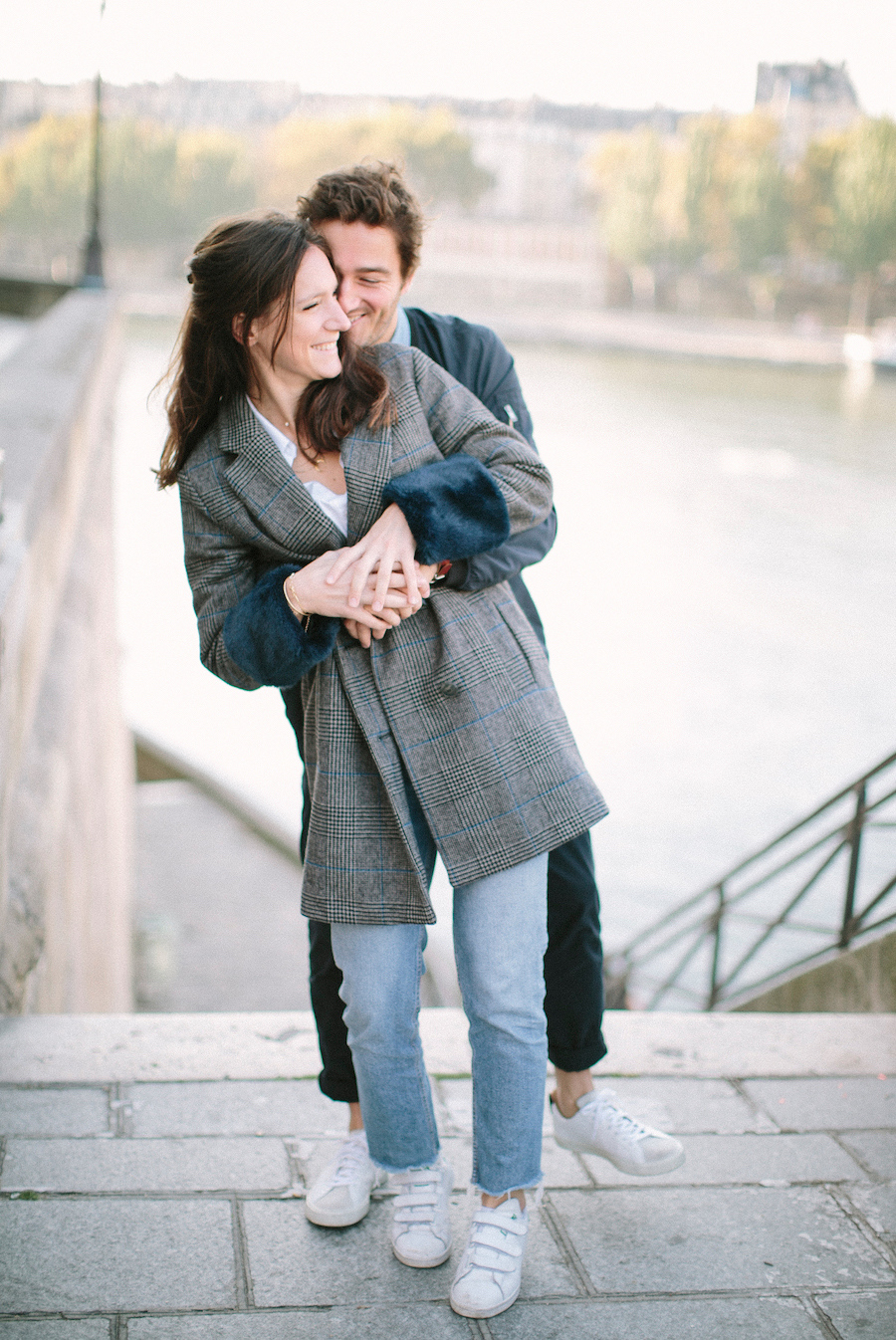 saya-photography-pre-wedding-couple-engagement-paris-ile-saint-louis-30.jpg