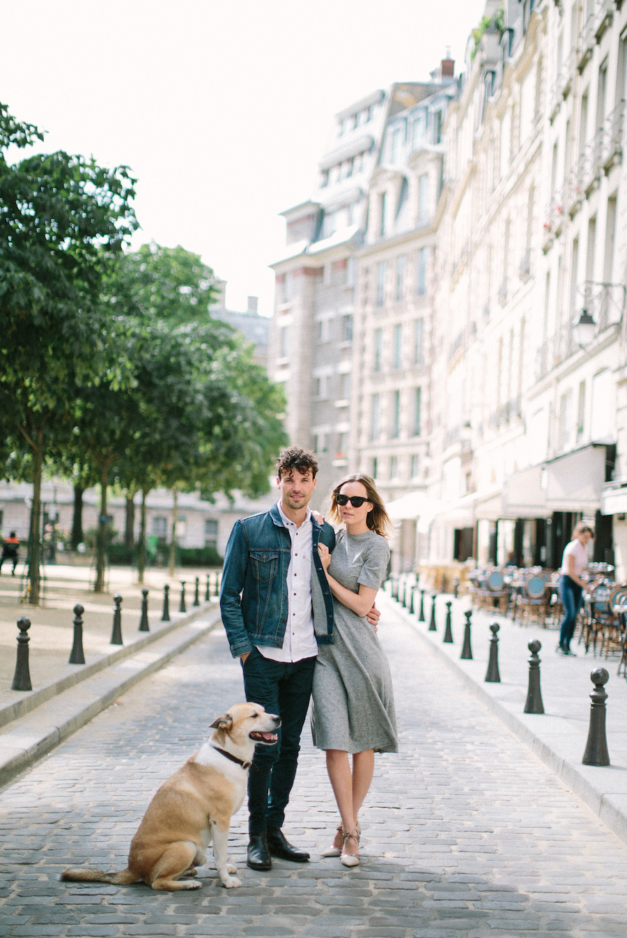 saya-photography-pre-wedding-couple-engagement-paris-ile-saint-louis-16.jpg