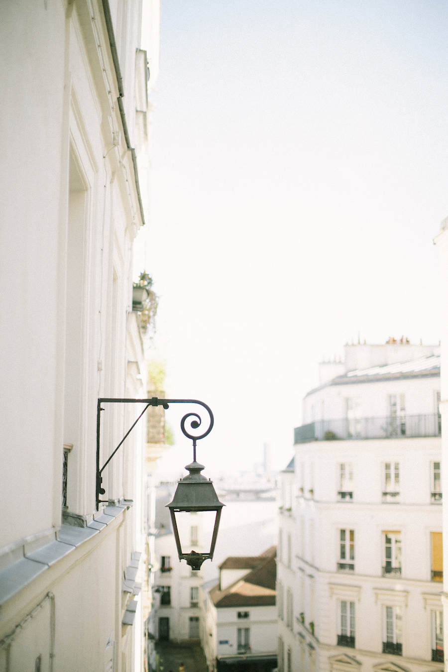 saya-photography-pre-wedding-couple-engagement-photographer-paris-montmartre-89.jpg