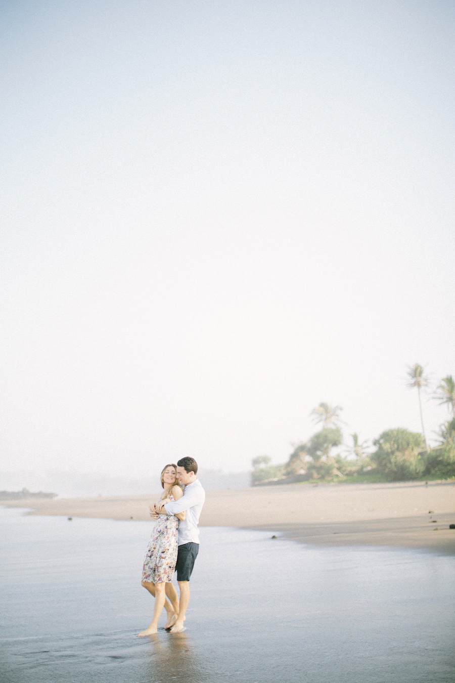 saya-photography-pre-wedding-engagement-bali-canggu-66.jpg