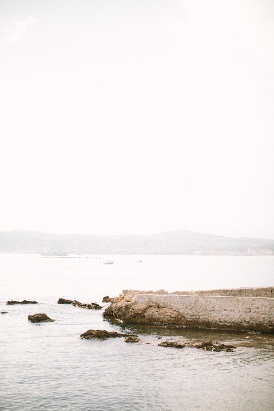 saya-photography-french-riviera-pre-wedding-by-sea-1.jpg
