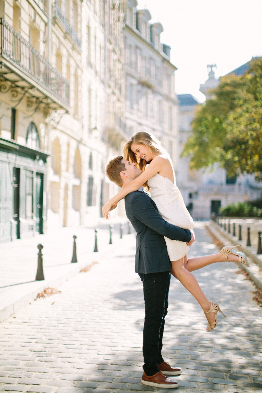 pre-wedding-paris-quai-de-seine-saya-photography