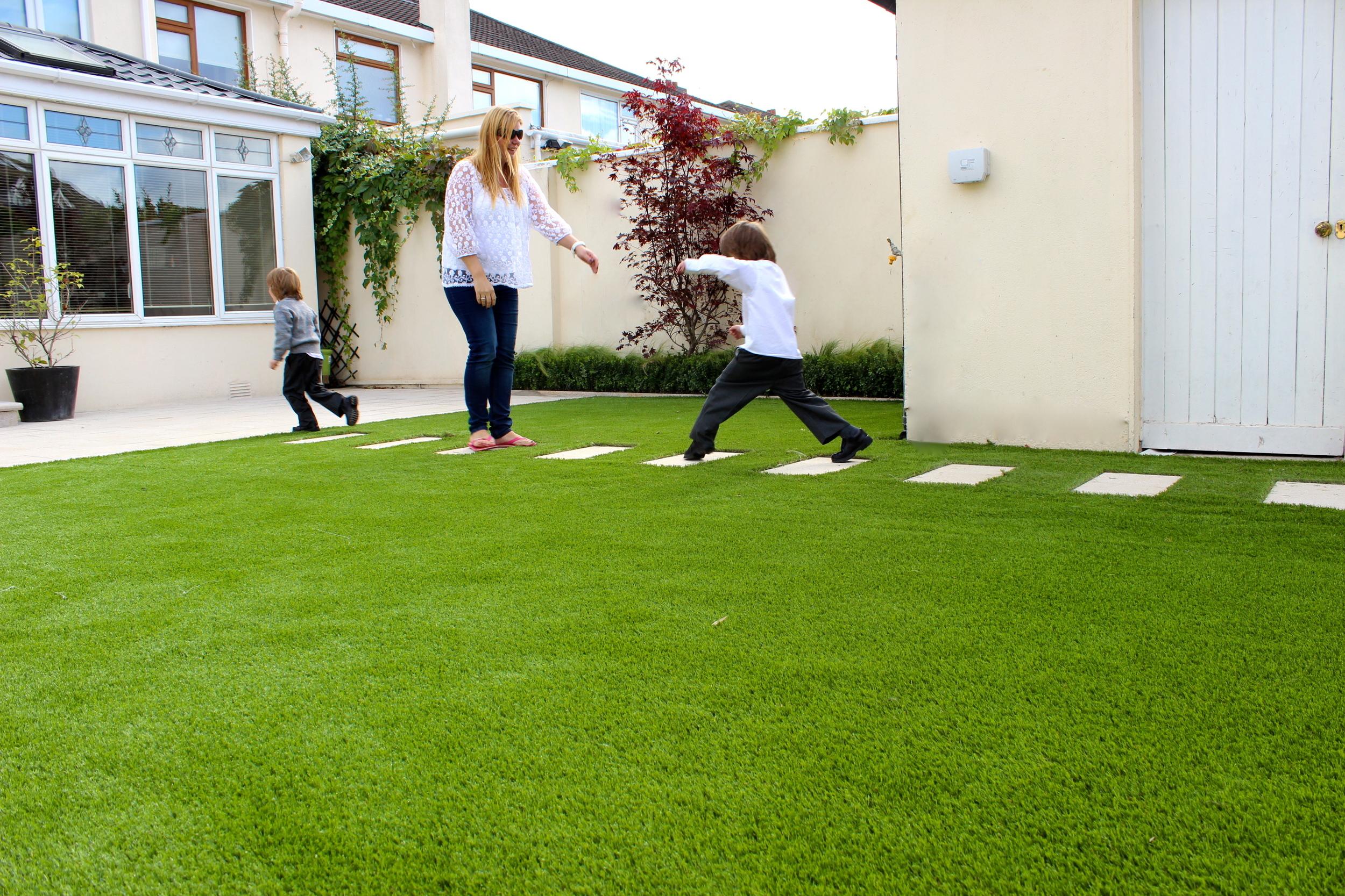 Synthetic garden turf