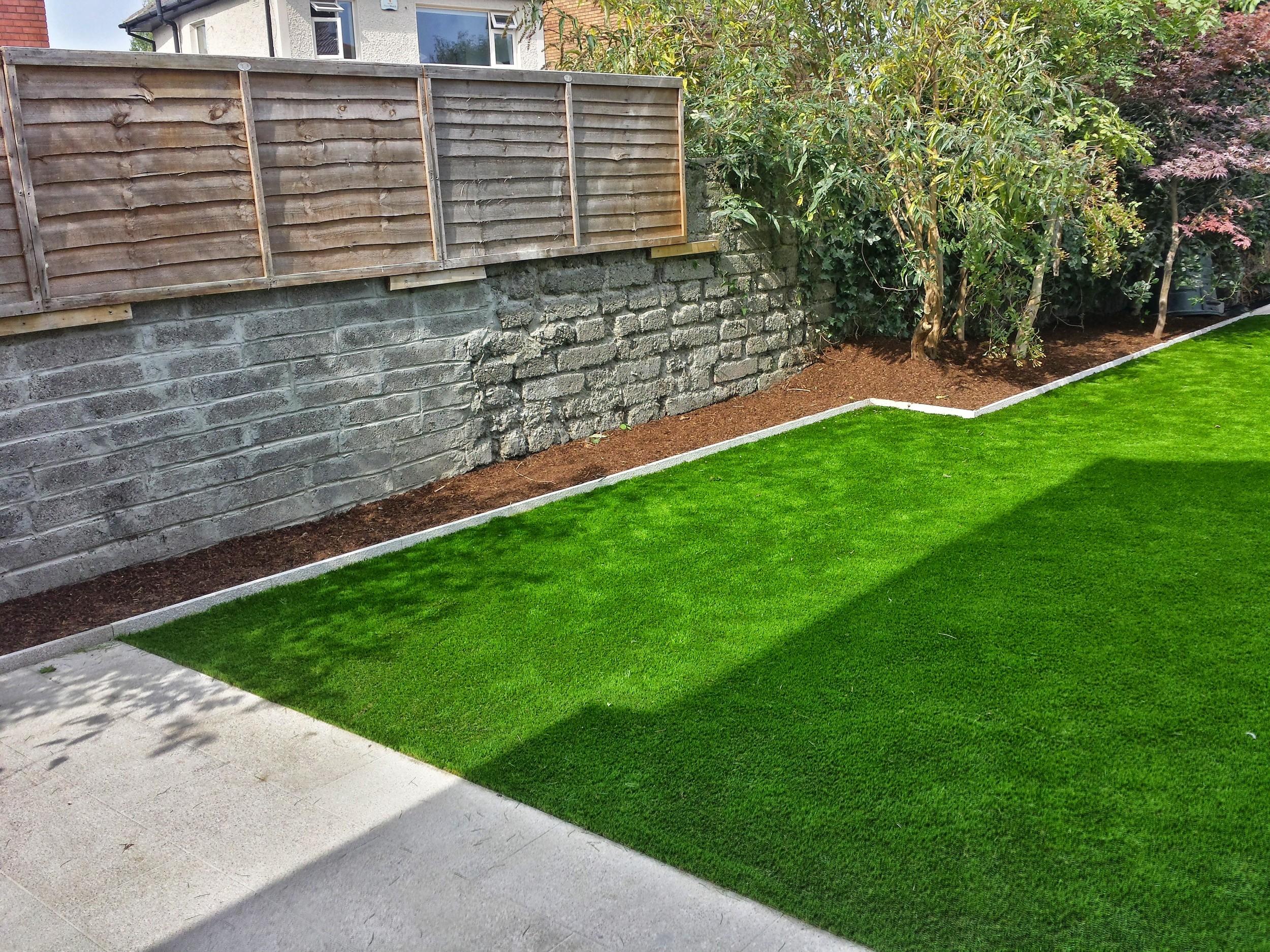 fake lawn turf installation
