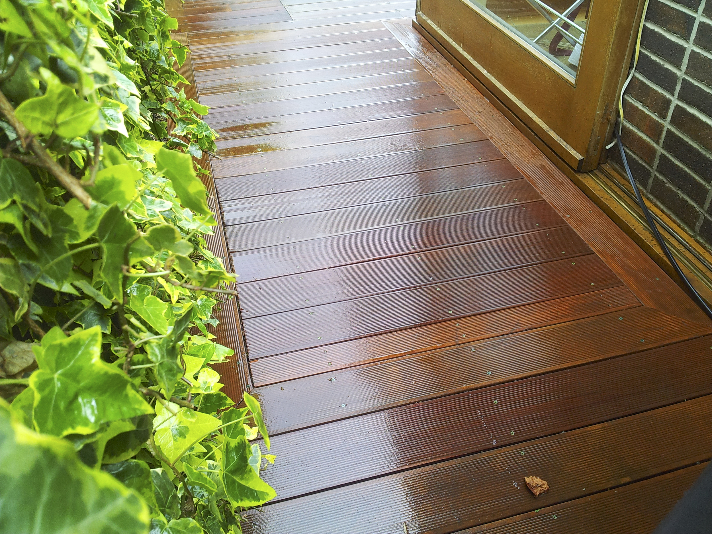 Hardwood deck ramp