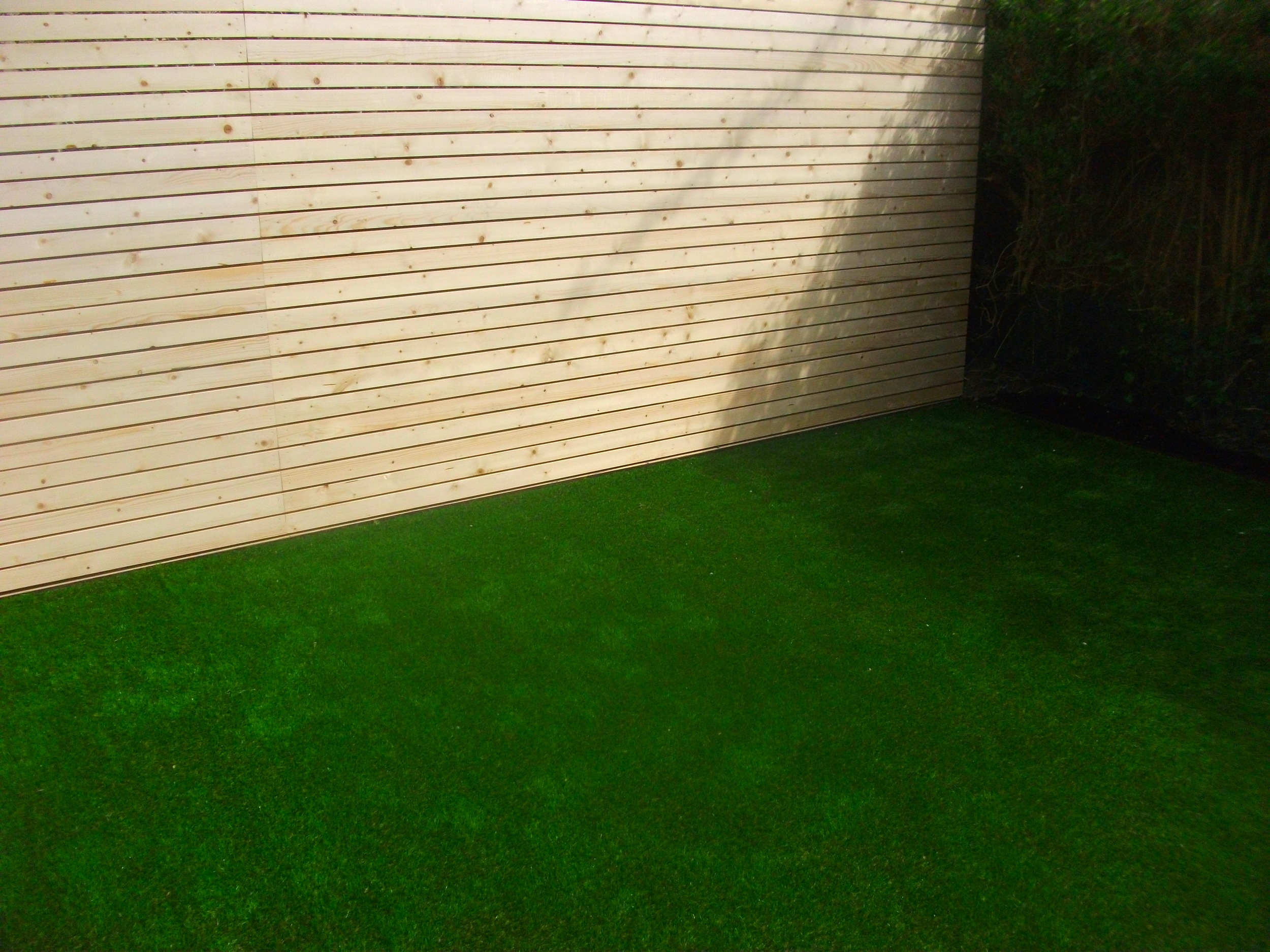 TigerTurf Finesse and Bespoke Screen