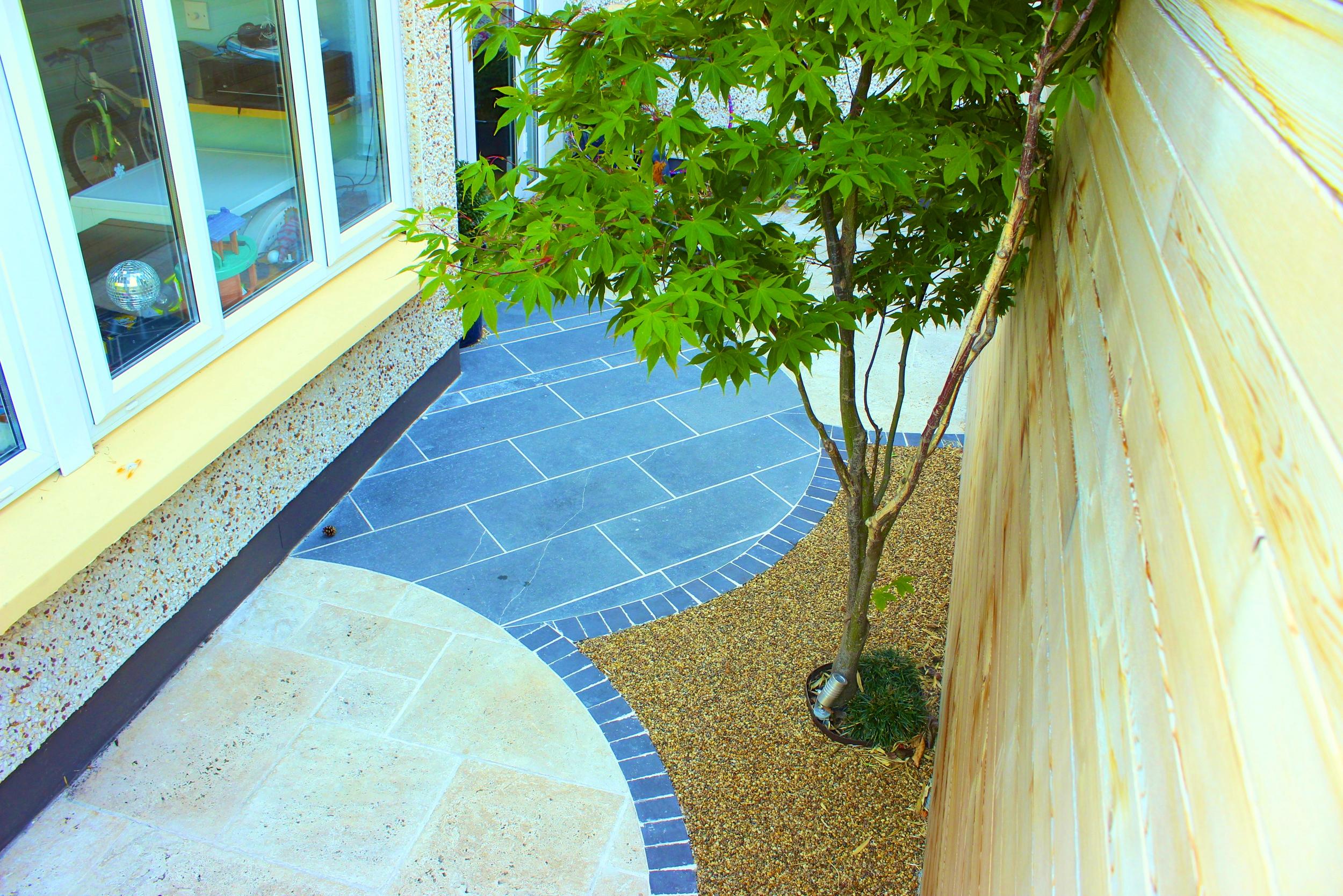 circular garden paving