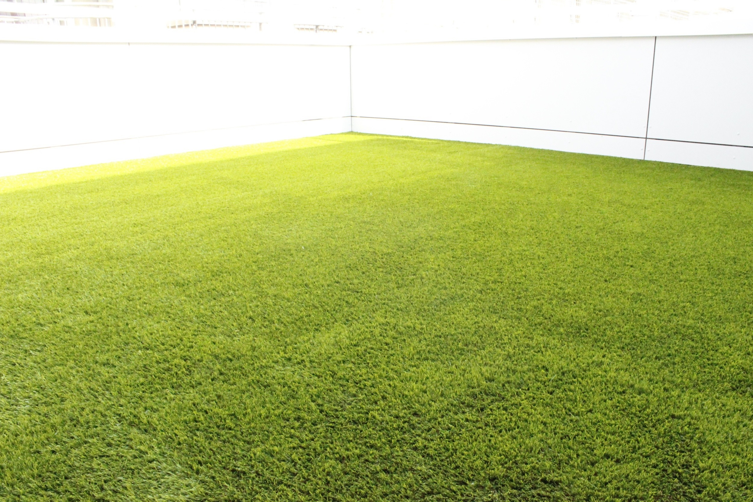 balcony grass installation