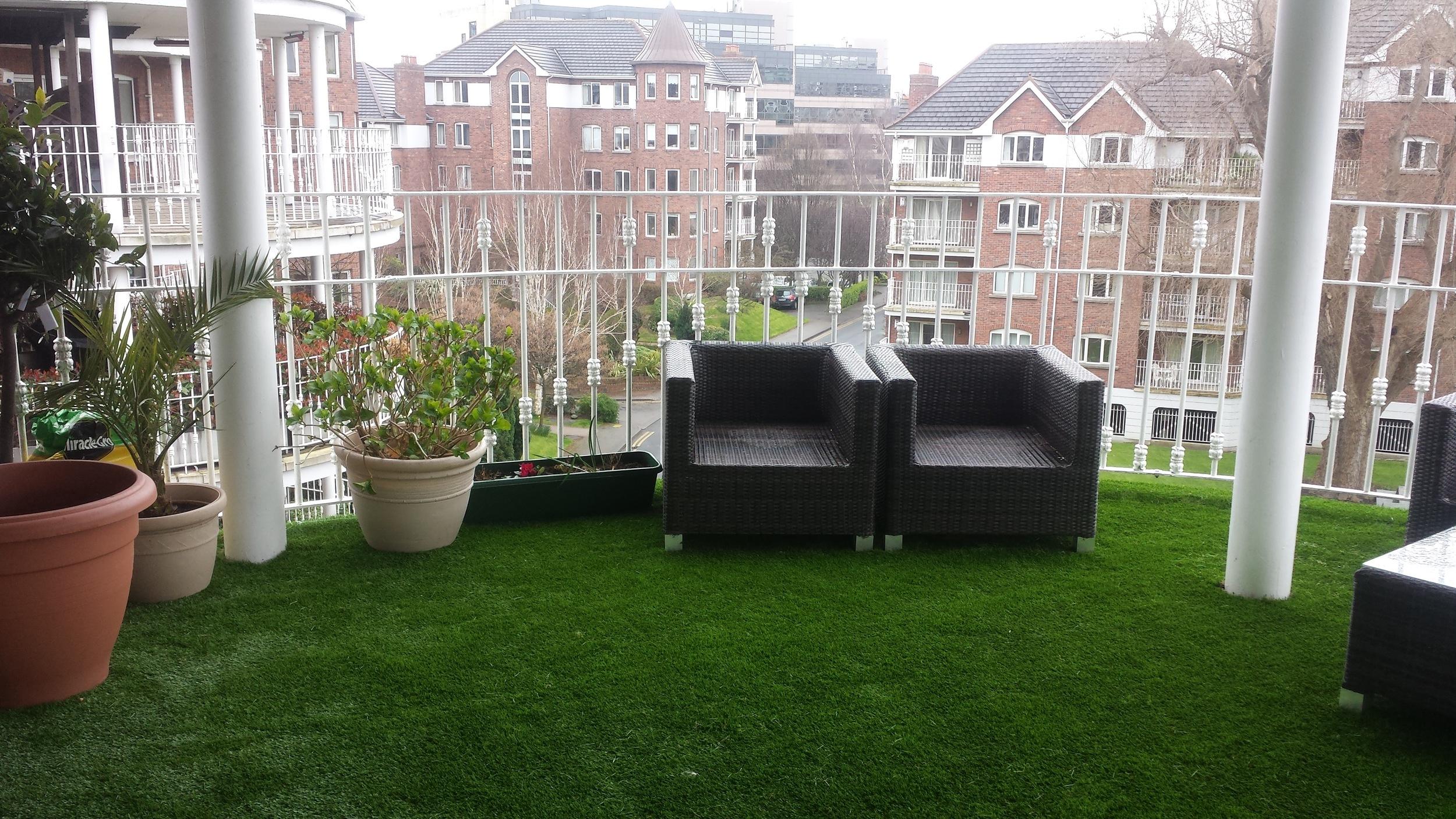 TigerTurf artificial lawn on Dublin balcony garden