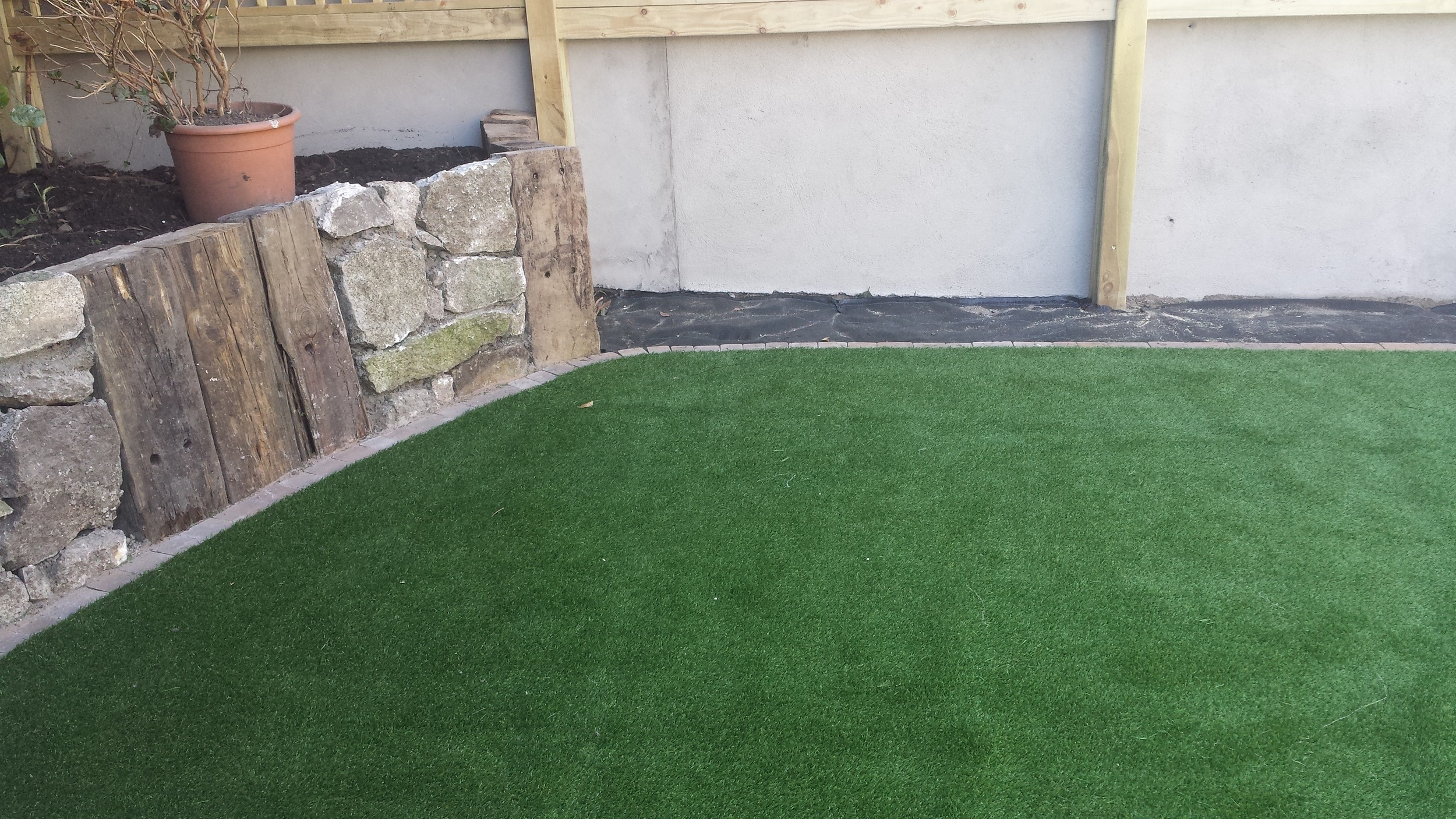 green synthetic grass lawn.jpg