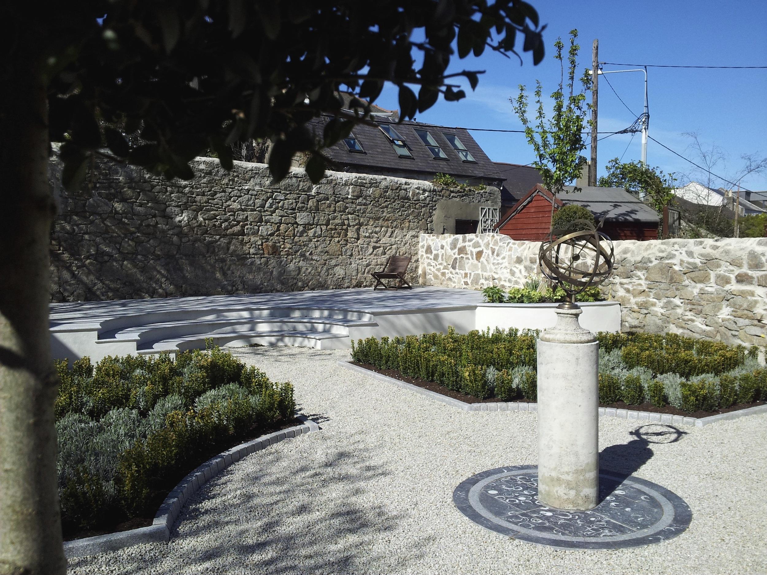 Central sculpture of Garden