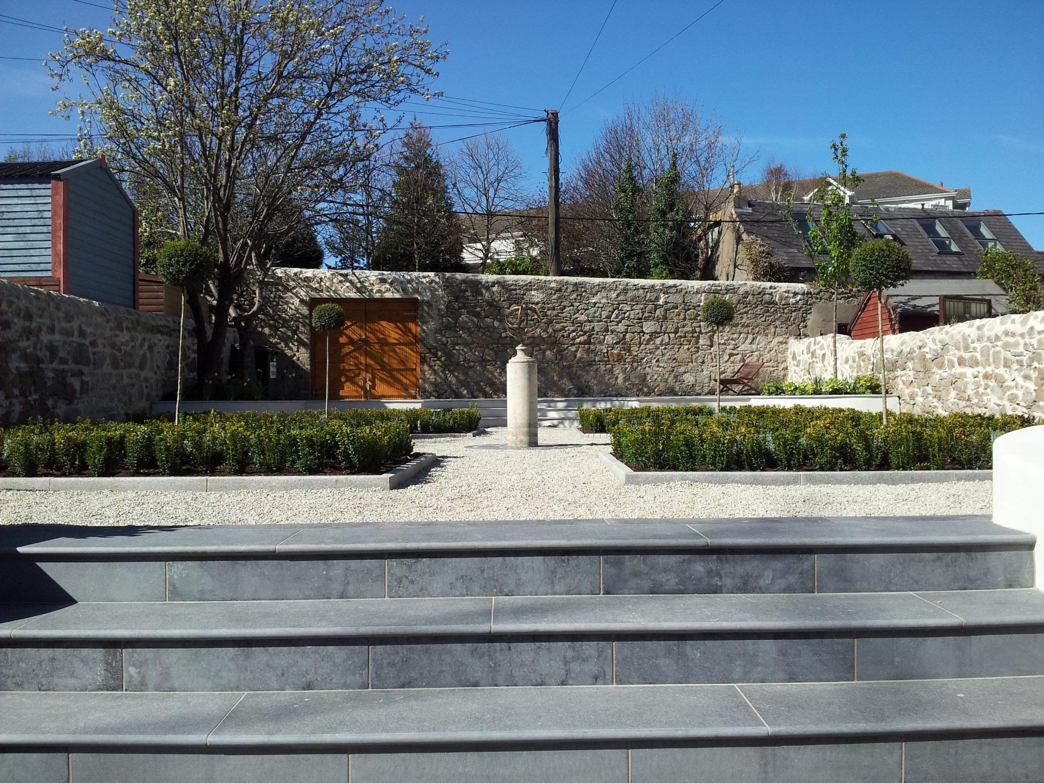 Garden steps to mid terrace