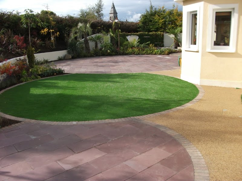 artificial grass circle and landscaping.jpg